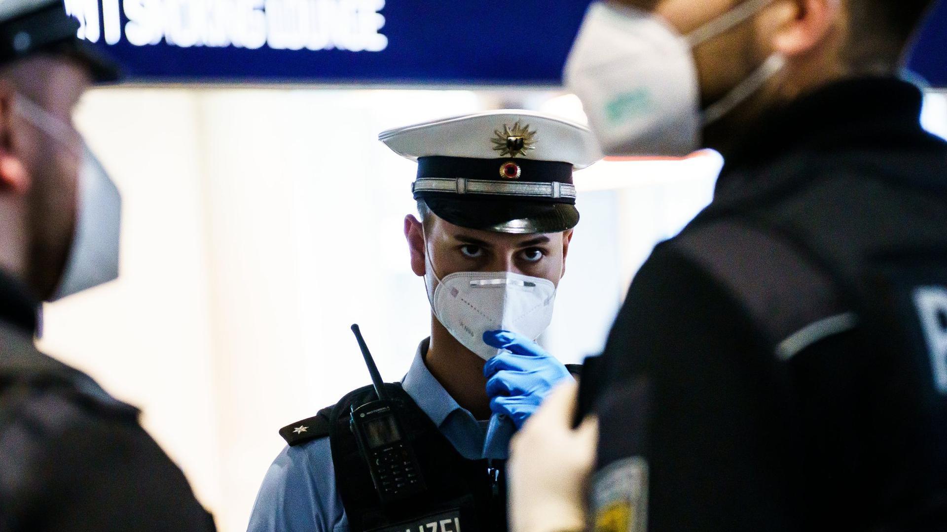 Eine Verordnung aus dem Bundesinnenministerium sieht für Länder, in denen sich besonders ansteckende Varianten des Coronavirus stark ausgebreitet haben, eine weitreichende Einreisesperre vor.