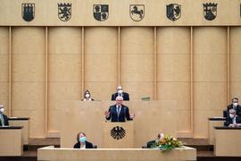 Bundespräsident Frank-Walter Steinmeier hält anlässlich der 1000. Sitzung im Deutschen Bundesrat eine Rede. Die Länderkammer hatte sich am 7. September 1949 in Bonn konstituiert - am selben Tag wie der Bundestag.