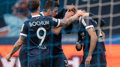 Der VfL Bochum hat sich mit dem Sieg gegen die Würzburger Kickers vorerst an die Tabellenspitze geschossen.