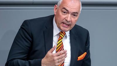 Der Bundestag hat die Immunität des CDU-Abgeordneten Axel Fischer aufgehoben.