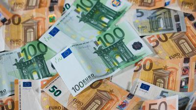 Der Fiskus nimmt für das Steuerjahr 2020 1,6 Milliarden Euro durch das Kurzarbeitergeld ein.