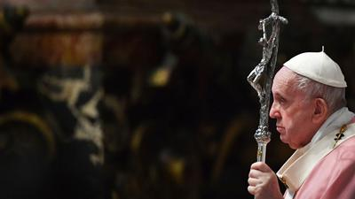 Papst Franziskus im Petersdom. Der Vatikan sieht keine Möglichkeit gleichgeschlechtliche Partnerschaften zu segnen.