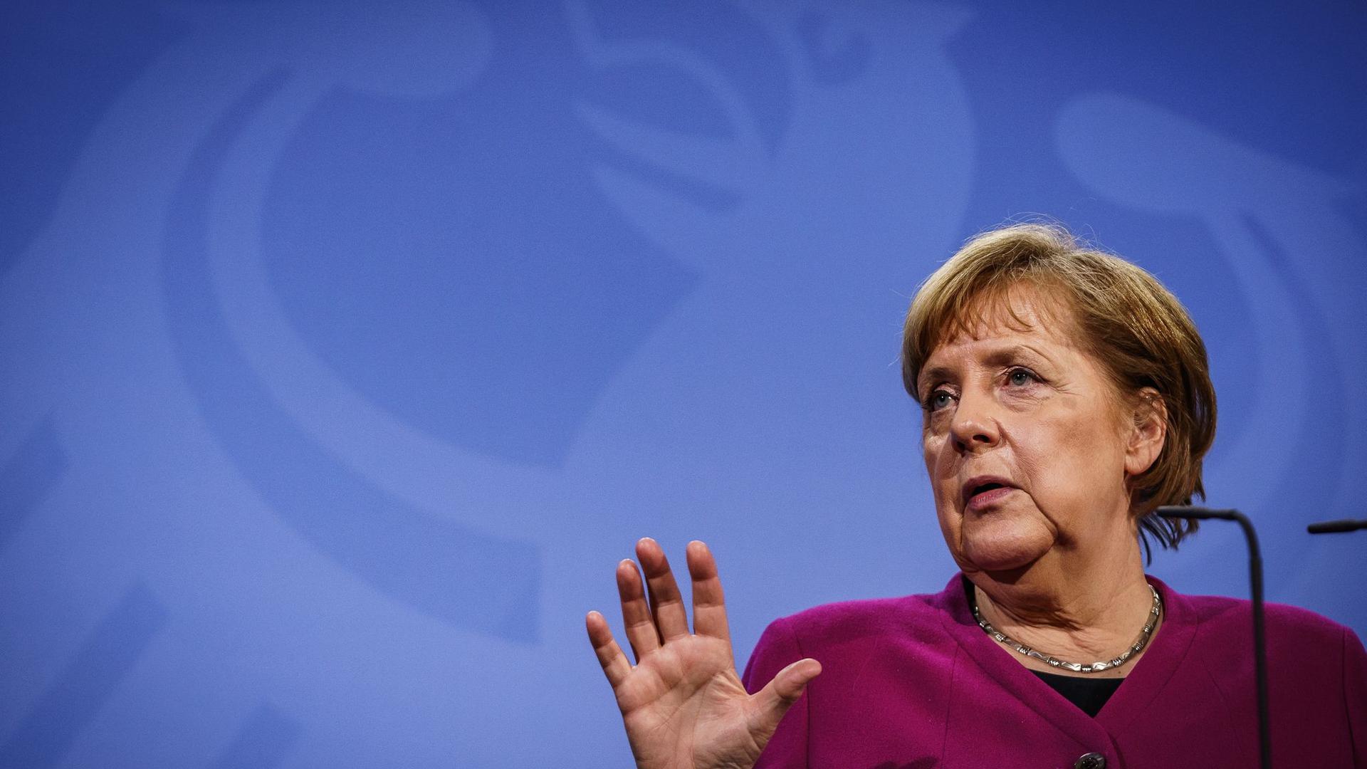 Kanzlerin Angela Merkel spricht sich gegen eine vorgezogene neue Ministerpräsidentenkonferenz aus.
