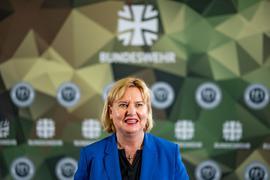 Eva Högl (SPD) spricht in der Führungsakademie der Bundeswehr.