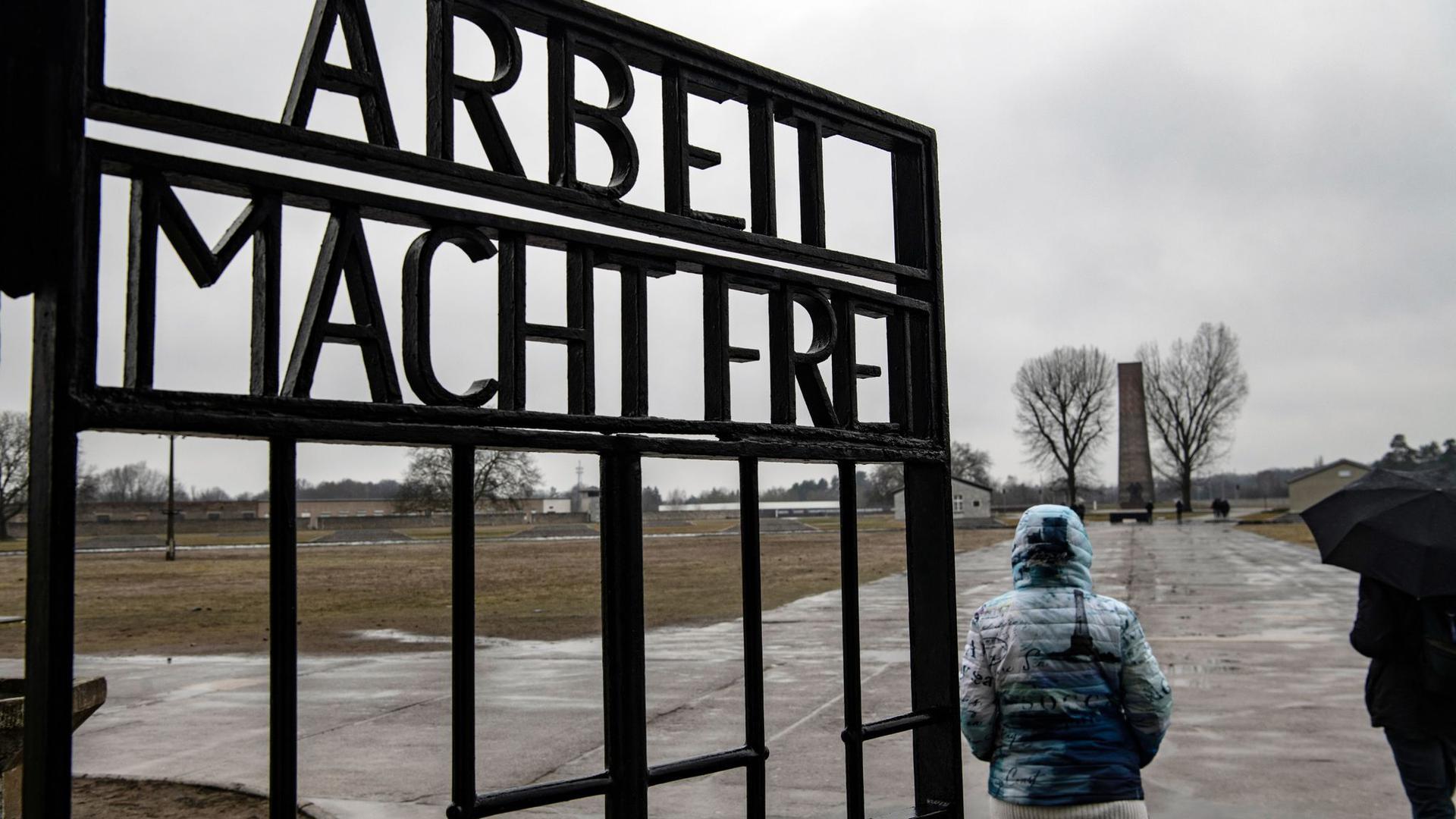 Die Ermordung vonMillionen vonJuden inDeutschland undEuropa begann laut einer Kampagne mit Hass.