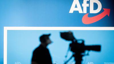 """Die AfD plädiert für die Gründung einer Akademie für deutsche Sprache nach dem Vorbild der Académie française. Dies soll der Stärkung der """"kulturellen Identität"""" dienen."""