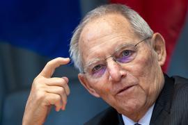 """""""Jetzt haben wir schon wieder den Zustand, dass sich eine Reihe von Ländern nicht an die Absprachen hält"""", moniert Wolfgang Schäuble."""