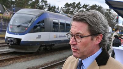 Wer das Klima liebt, fährt Schiene: Bislang war Andreas Scheuer nicht für seine Klimabemühungen bekannt - das will der CSU-Minister jetzt offenbar ändern.