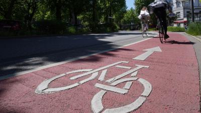 Das Fahrradfahren in Deutschland soll sicherer werden.