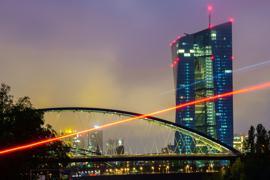 Die Geldpolitik der Europäischen Zentralbank (EZB) ist umstritten.