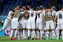 Feierstimmung in Rom:Italien ist mit einem klaren Sieg gegen die Türkei in die EM gestartet.