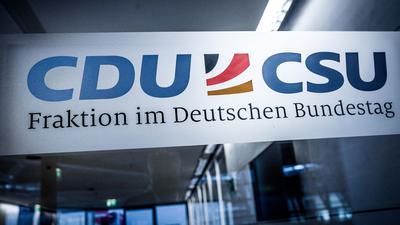 Der Eingang zum Fraktionssaal der Union im Bundestag.