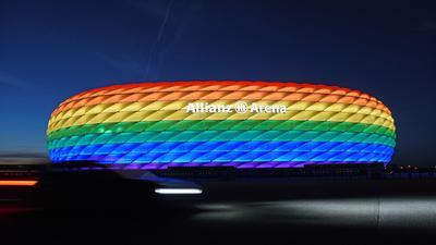 So könnte die Münchner Allianz Arena zum Spiel Deutschland gegenUngarn erstrahlen - wenn nicht die UEFA etwas dagegen hätte.