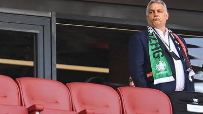 Wird nach dpa-Informationen in München auf der Tribüne fehlen: Ungarns Ministerpräsident Viktor Orban.