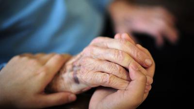Das Bundesarbeitsgericht hat geurteilt: Den ausländischen Arbeitnehmern, die Senioren in ihren Wohnungen betreuen, steht der gesetzliche Mindestlohn zu.