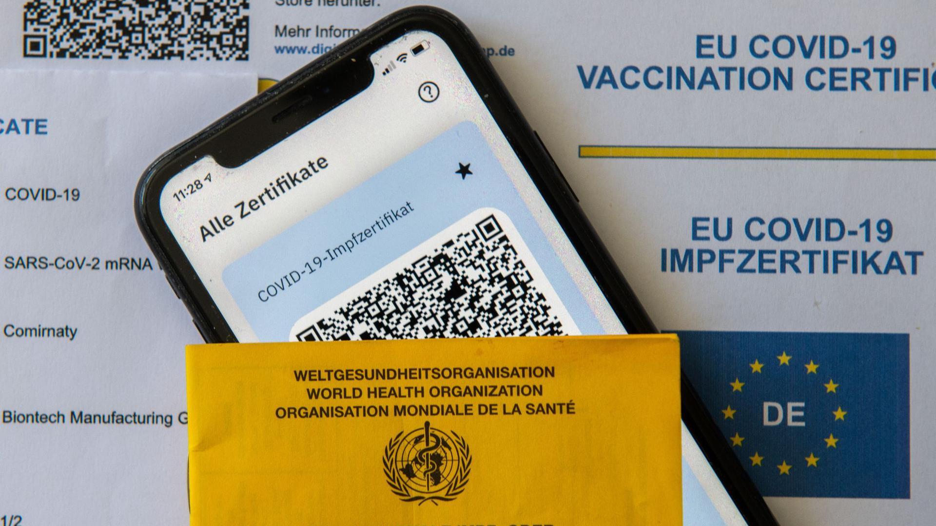 Der digitale Nachweis ist eine freiwillige Ergänzung des weiter gültigen gelben Impfheftes aus Papier.
