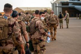 Französische Soldaten auf ihrer Basis in Gao. Frankreich hatte Anfang Juni seine gemeinsamen militärischen Einsätze mit Mali zeitweise ausgesetzt und nach dem jüngsten Putsch Garantien für den politischen Übergang gefordert.