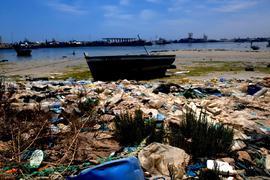 Das Ufer der tunesischen Küstenstadt Zarzis im Juni 2021. Erneut sind vor der Küste des Landes 49 Leichen geborgen worden. Insgesamt sanken vier Boote in der Nähe der Stadt Sfax.