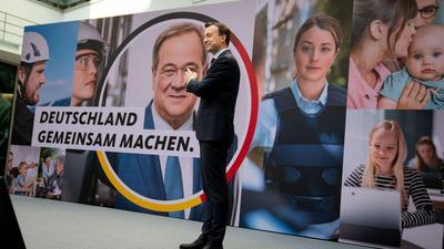 CDU-Generalsekretär Paul Ziemiak stellt die Kampagne für die Bundestagswahl vor.