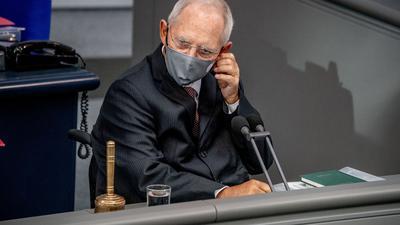 Bundestagspräsident Wolfgang Schäuble (CDU) hatte die Maskenpflicht vergangenen Herbst eingeführt.