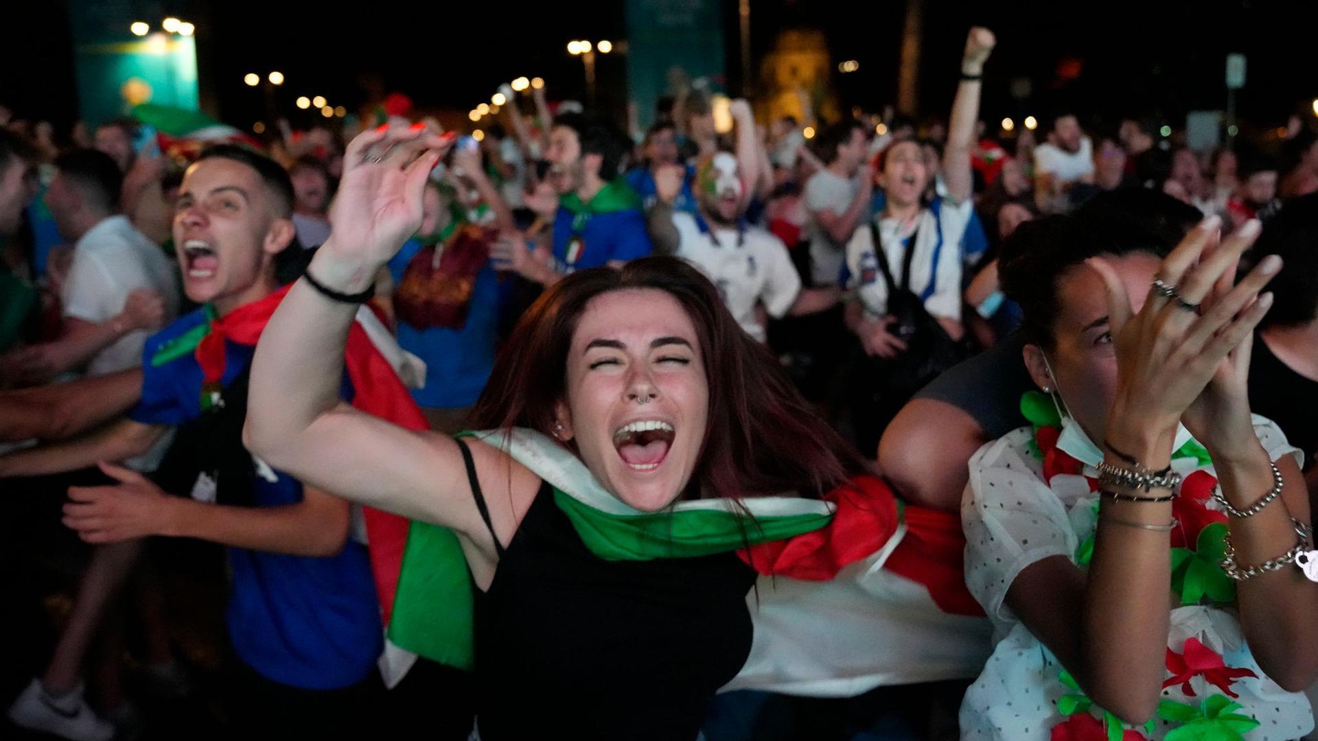 Italiens Fans feiern den EM-Titelsieg in Rom.