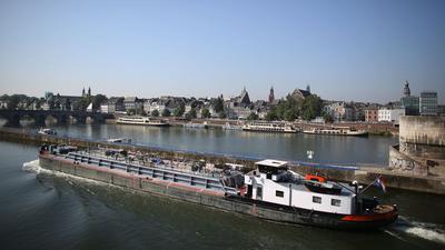 Die Maas fließt mitten durch Maastricht. Die niederländische Stadt erwartet schwere Überschwemmungen.