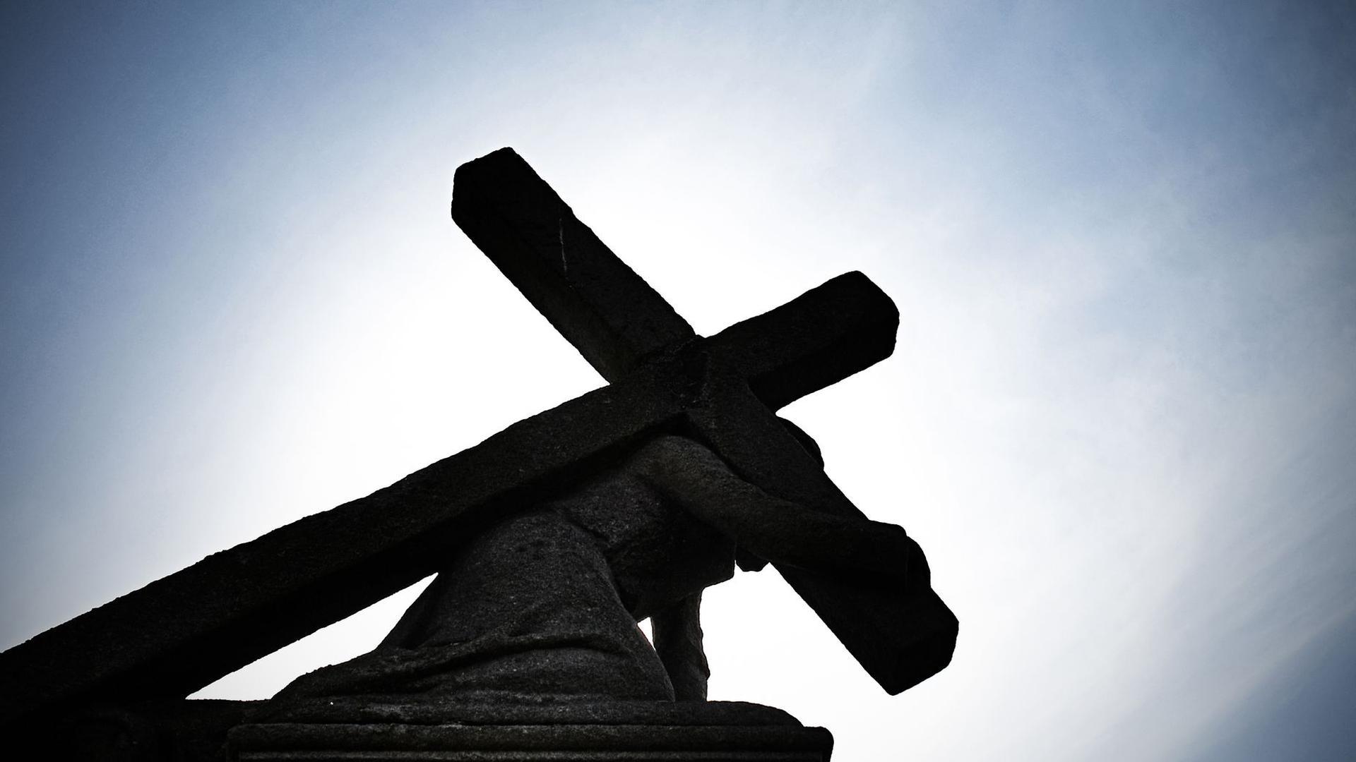 Die Kommissionen zur Aufarbeitung von sexuellem Missbrauch in den katholischen Bistümern kommen nur langsam in Gang.