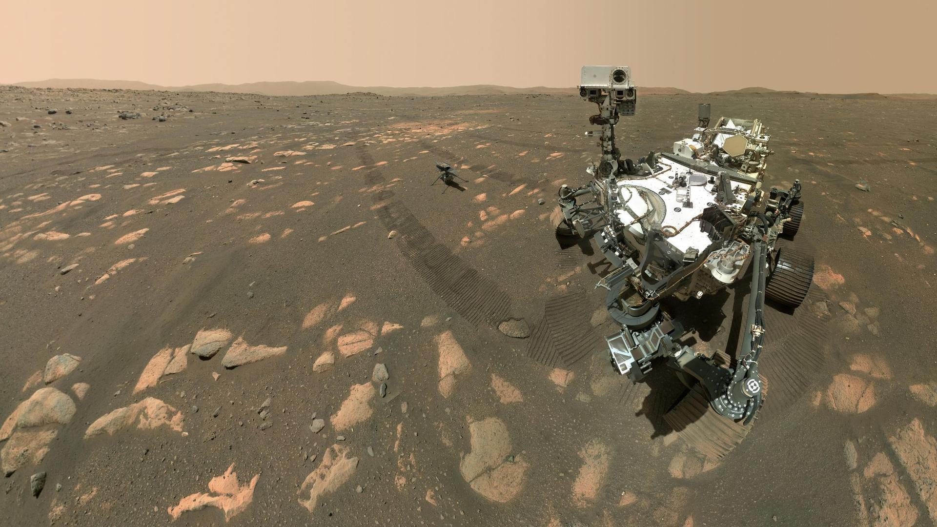 """Der Rover """"Perseverance""""bereitet sich auf die Entnahme einer Probe von Mars-Gestein vor."""