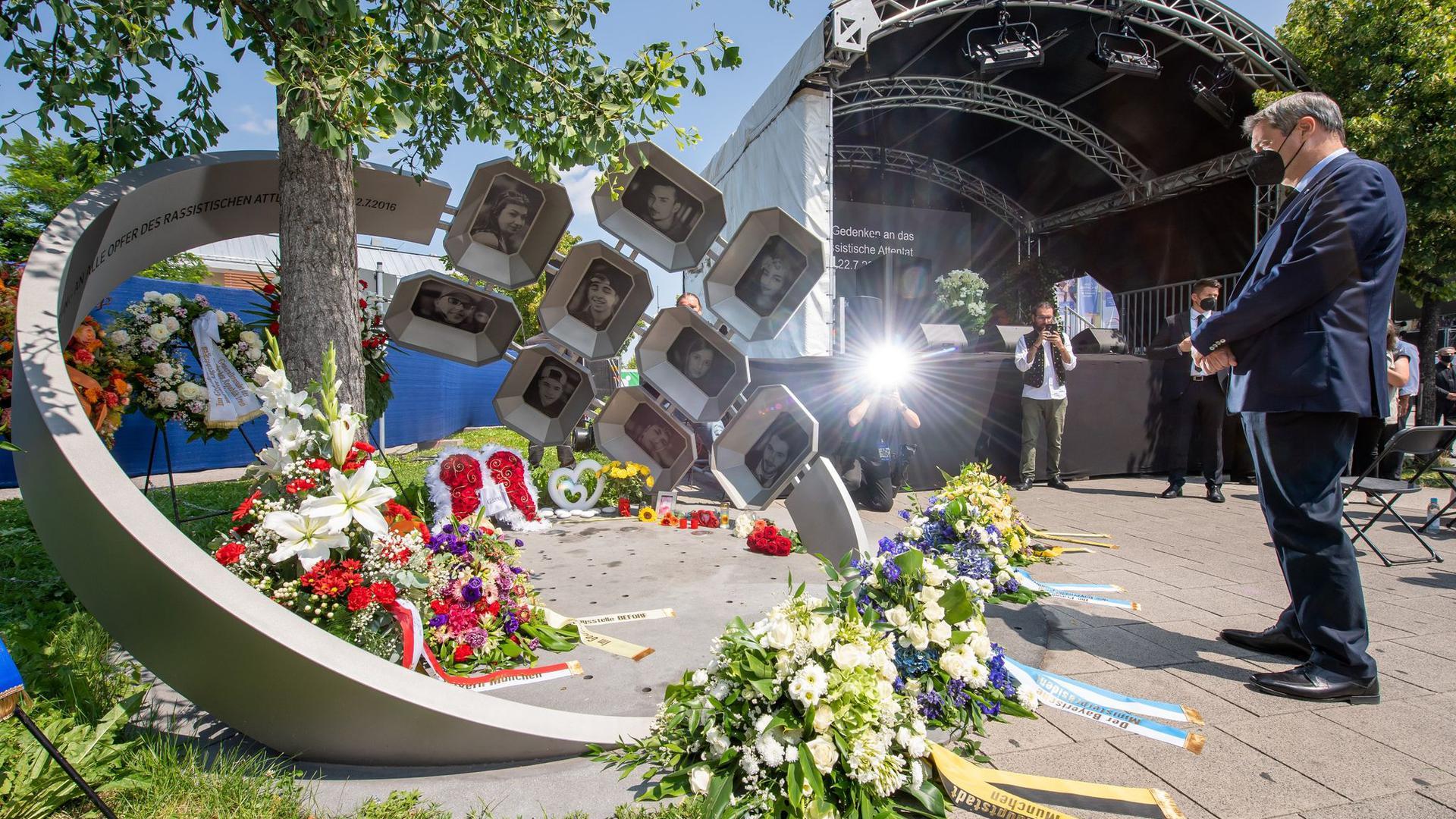 Markus Söder gedenkt der Opfer des Anschlags.