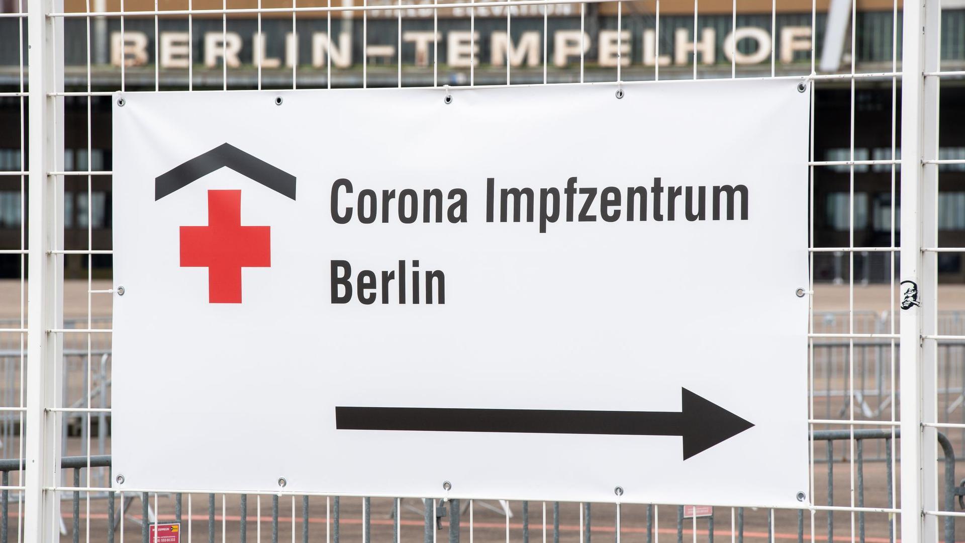Das Impfzentrum im ehemaligen Flughafen Berlin-Tempelhof.