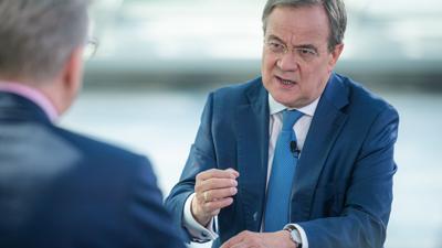 Wenn die Menschen in Deutschland den Kanzler direkt wählen könnten, würden sich in dieser Woche 17 Prozent für CDU-Chef Armin Laschet entscheiden - sechs Prozentpunkte weniger als vor einer Woche.