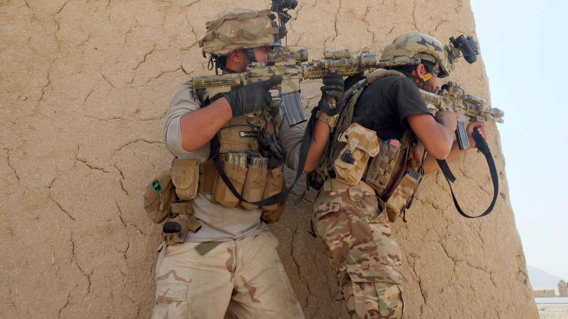 Mitglieder der afghanischen Sicherheitskräfte Anfang Juli während eines Gefechts mit Taliban.