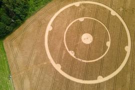 Wer war das? Kornkreis in einem Weizenfeld in Gauting.