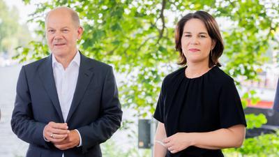 Olaf Scholz (SPD), Bundesfinanzminister und SPD-Kanzlerkandidat, und Annalena Baerbock, Kanzlerkandidatin und Bundesvorsitzende von Bündnis 90/Die Grünen.