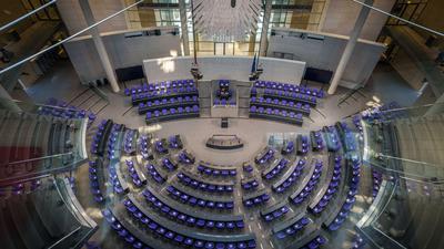 Der neue Bundestag konstituiert sich spätestens am 26. Oktober. Danach könnten die Untersuchungen eingeleitet werden, wenn ein Viertel der Abgeordneten dafür ist.