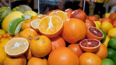 Auch für Orangen und andere Zitrusfrüchte führt die EUneue Grenzwerte für Gifte ein.
