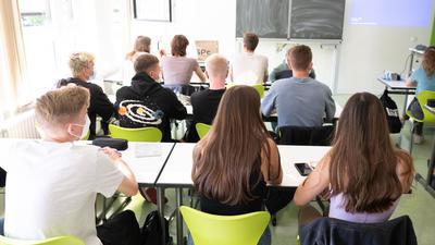 Unterreicht im Klassenzimmer:Schüler eines Gymnasium in Dresden.