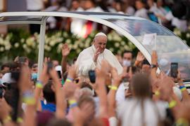 Papst Franziskus trifft sich mit jungen Menschen im slowakischenKosice.