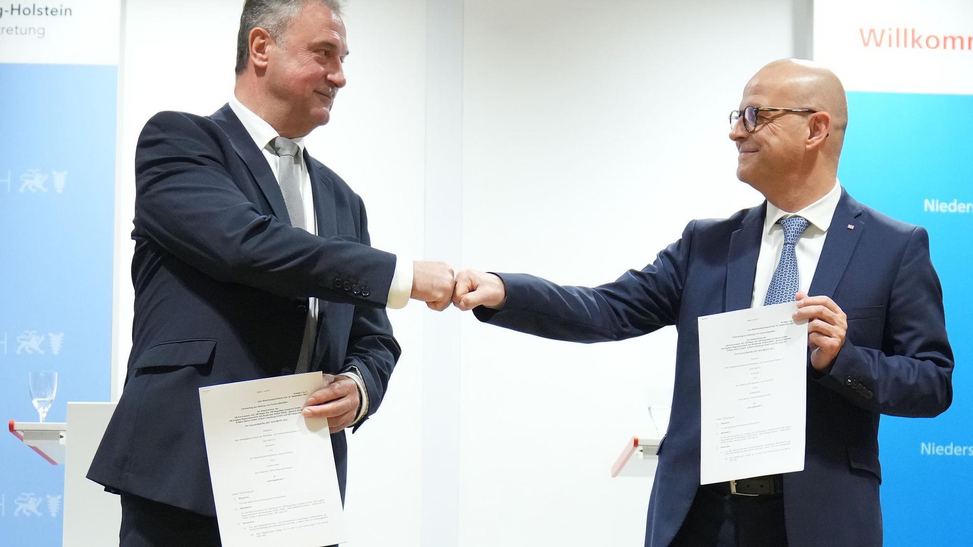 Einig: GDL-Chef Claus Weselsky (links) und Bahn-Personalvorstand Martin Seiler.