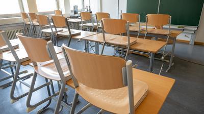 In den ersten Corona-Wellen waren die Schulen in Deutschland häufig geschlossen oder nur eingeschränkt geöffnet.
