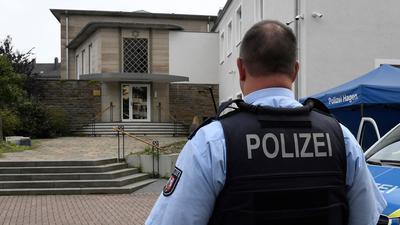 Die Polizei Hagen bewacht jetzt die Synagoge.
