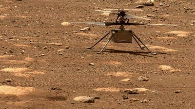 """Der Mars-Hubschrauber """"Ingenuity"""" muss seine Rotorblätter künftig noch schneller drehen - die Luft wird dünner."""