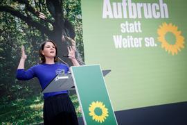 Annalena Baerbock, Kanzlerkandidatin und Bundesvorsitzende von Bündnis 90/Die Grünen. Mit einem mehrstündigen Parteitag wollen die Grünen in die letzte Woche vor der Bundestagswahl starten.