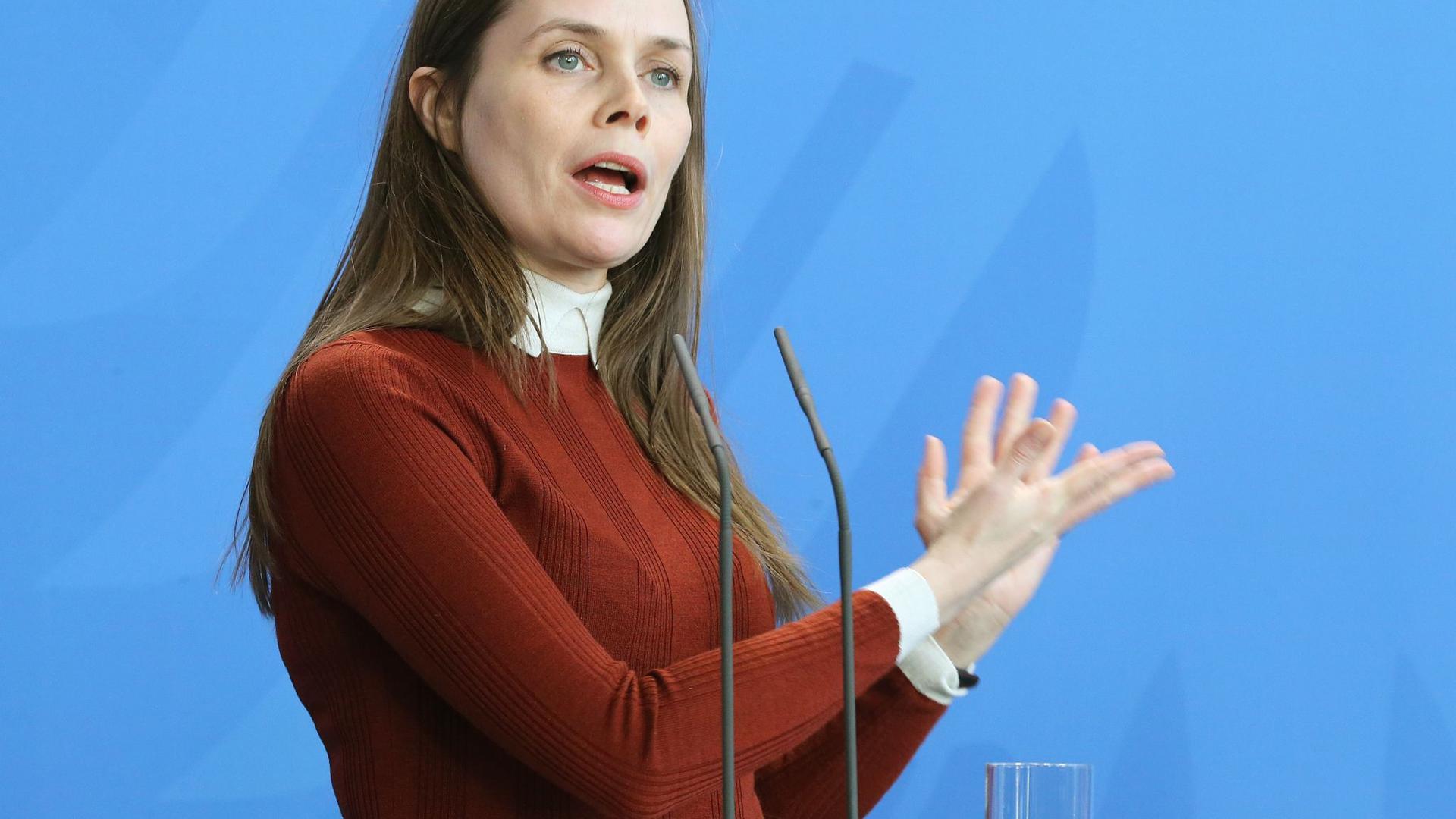 Katrín Jakobsdóttir, Premierministerin von Island, auf einer Pressekonferenz. (Archivbild)