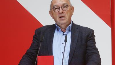 Der SPD-Vorsitzende Norbert Walter-Borjans kann sich eineMitgliederbefragung zum möglichen Koalitionsvertrag vorstellen.