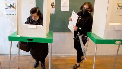Ein Wahllokal in Tiflis.