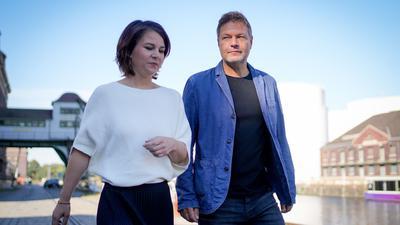 Annalena Baerbock, Bundesvorsitzende von Bündnis 90/Die Grünen, und Robert Habeck, Bundesvorsitzender von Bündnis 90/Die Grünen, wollen mit der SPDund der FDP sondieren.