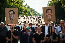 Demonstranten während einer Kundgebung mit Porträt-Abbildungen der NSU-Opfer im August 2018 in München.