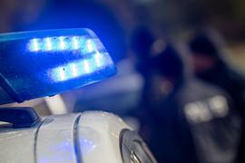 In einem Mehrfamilienhaus in Lüneburg wurde eine tote Frau entdeckt. (Symbolbild)