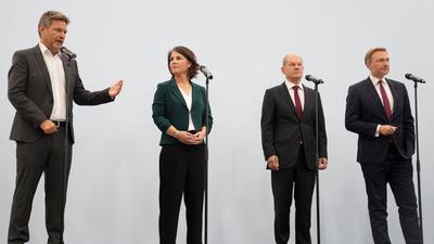Robert Habeck, Annalena Baerbock, Olaf Scholz und Christian Lindner wollen zusammen regieren.